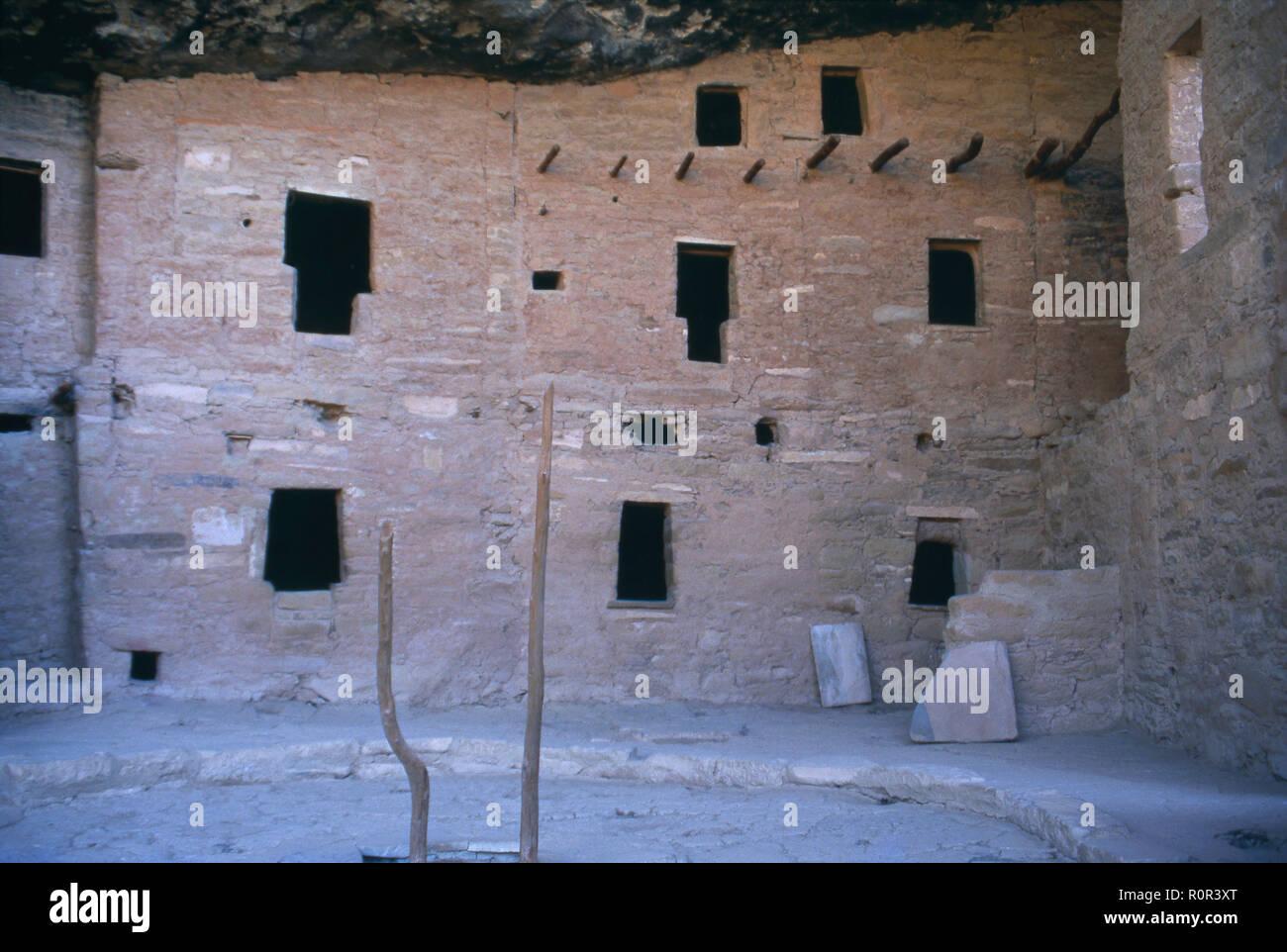 Cliff Palace, de varias plantas/ciudad Puebloan Anasazi en el Parque Nacional Mesa Verde, Fotografía CO. Imagen De Stock