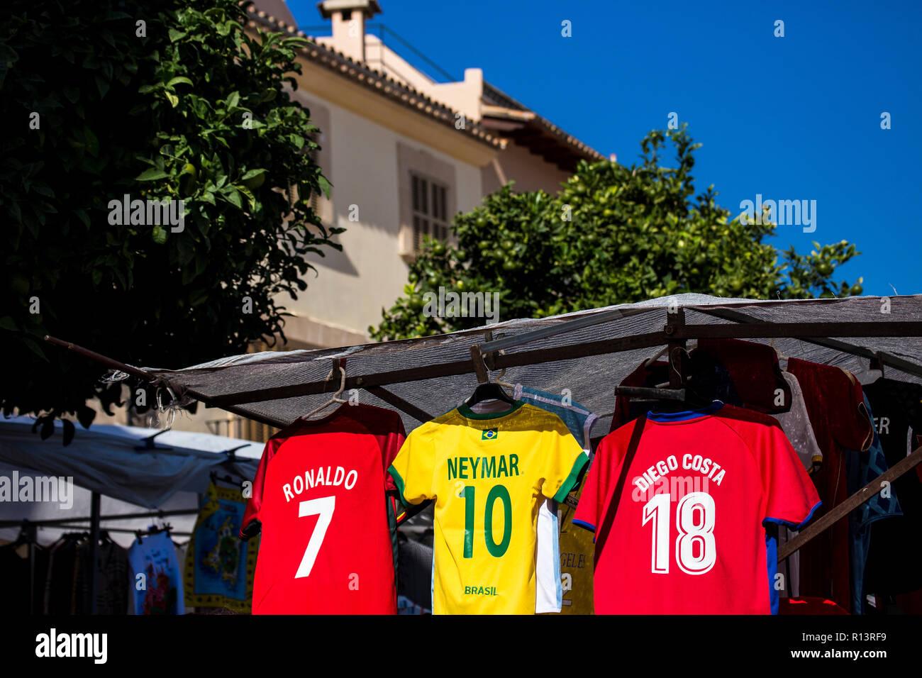 Camiseta De Fútbol Ronaldo Imágenes De Stock   Camiseta De Fútbol ... 5d5bb7ed3db16