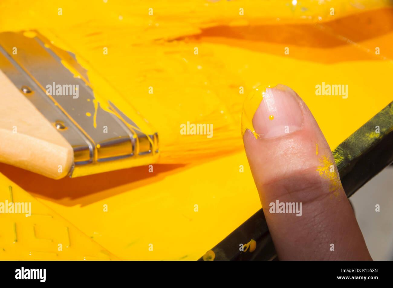 La gente de cinta amarilla de pintura Imagen De Stock