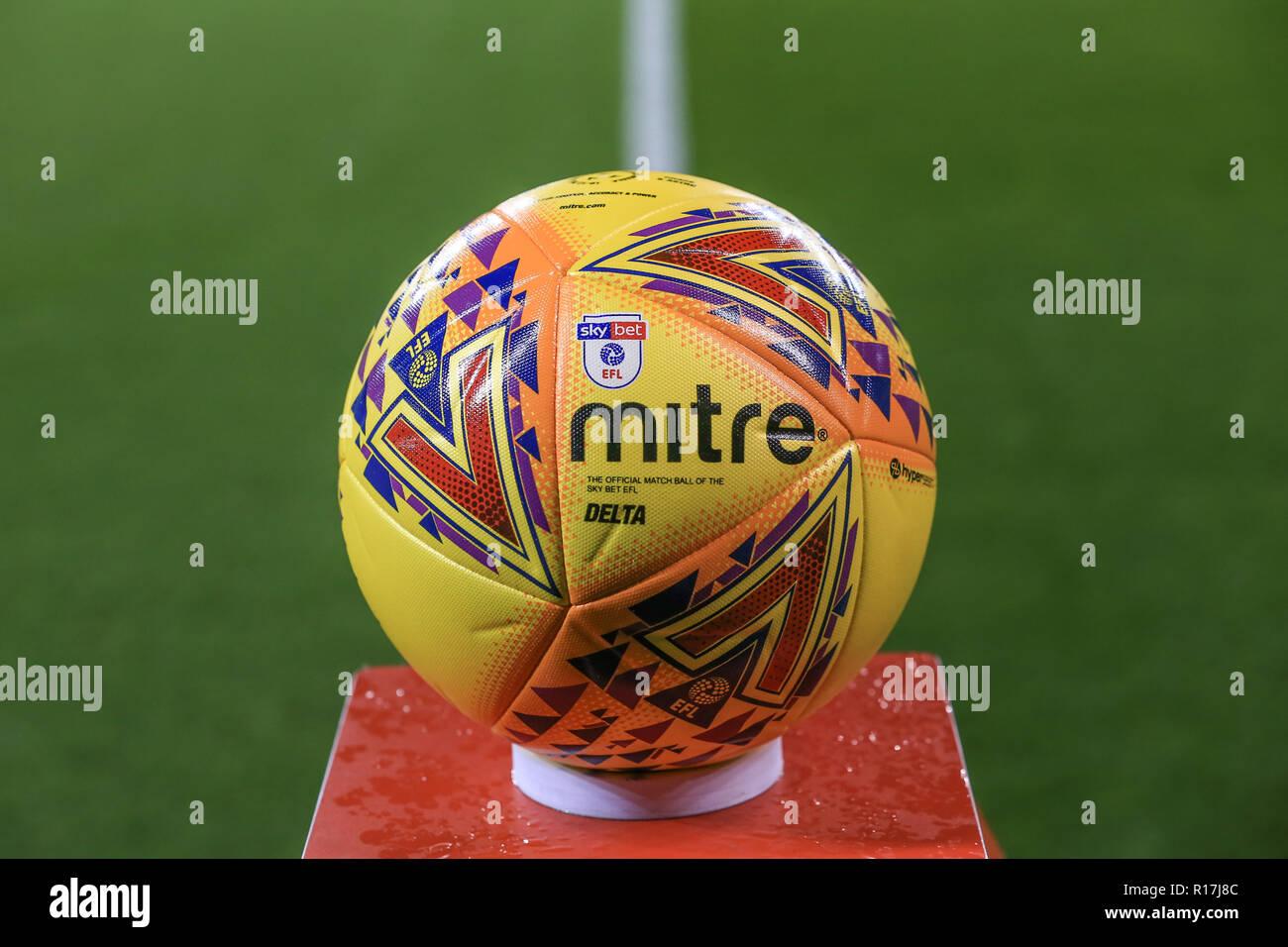 Mitre Football Imágenes De Stock   Mitre Football Fotos De Stock - Alamy 7b6456d61eabd