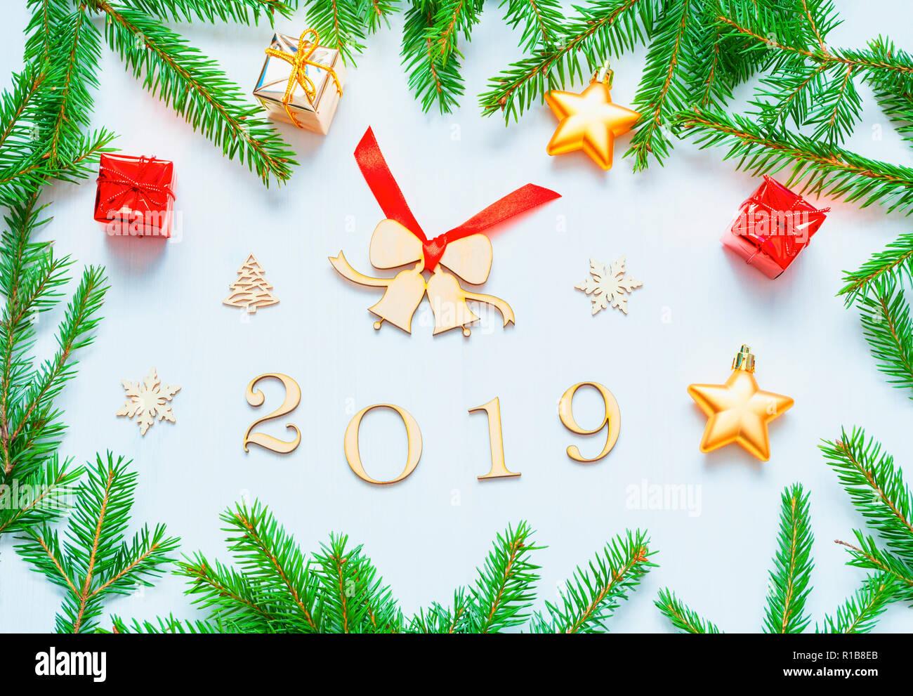 NavidadRamas 2019 De Año Nuevo Con FigurasJuguetes Fondo DH9IE2
