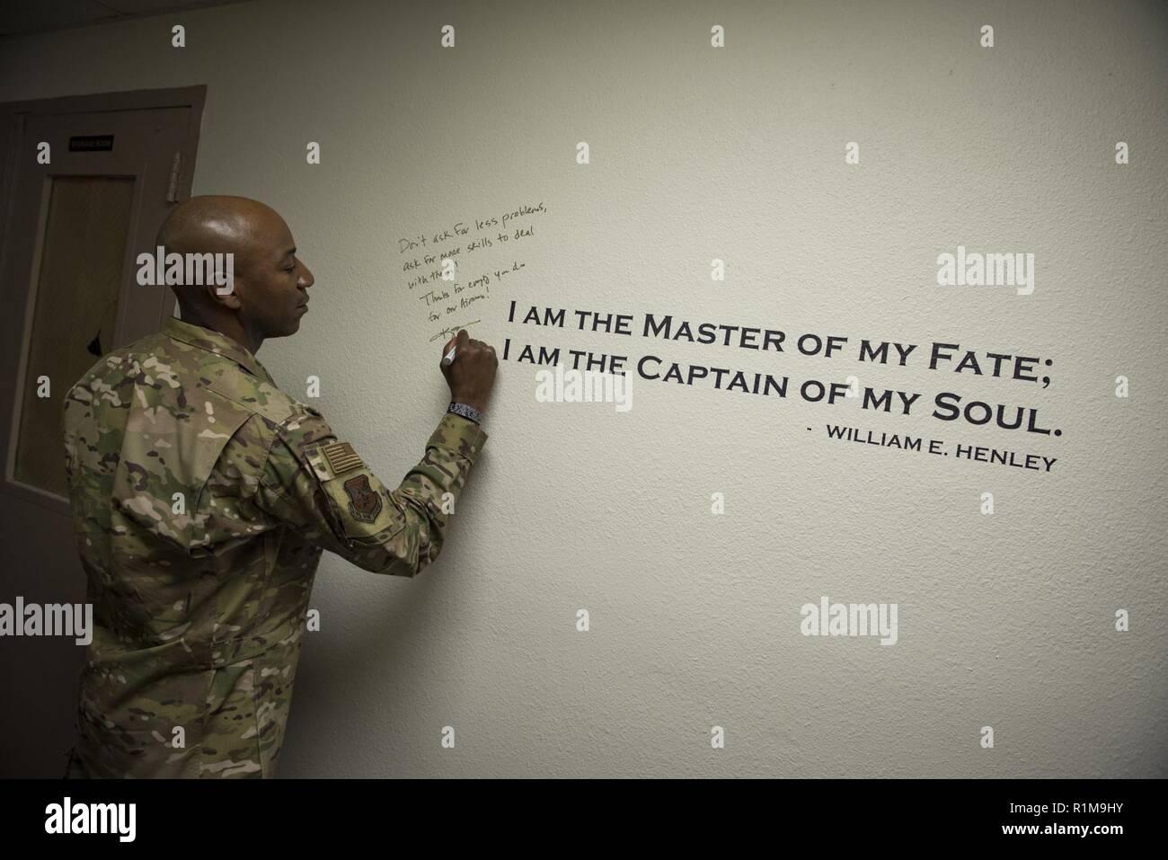 El Sargento Primero En Jefe De La Fuerza Aérea Kaleth O