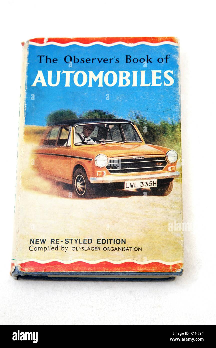 Libro viejo el observador del libro de automóviles Imagen De Stock