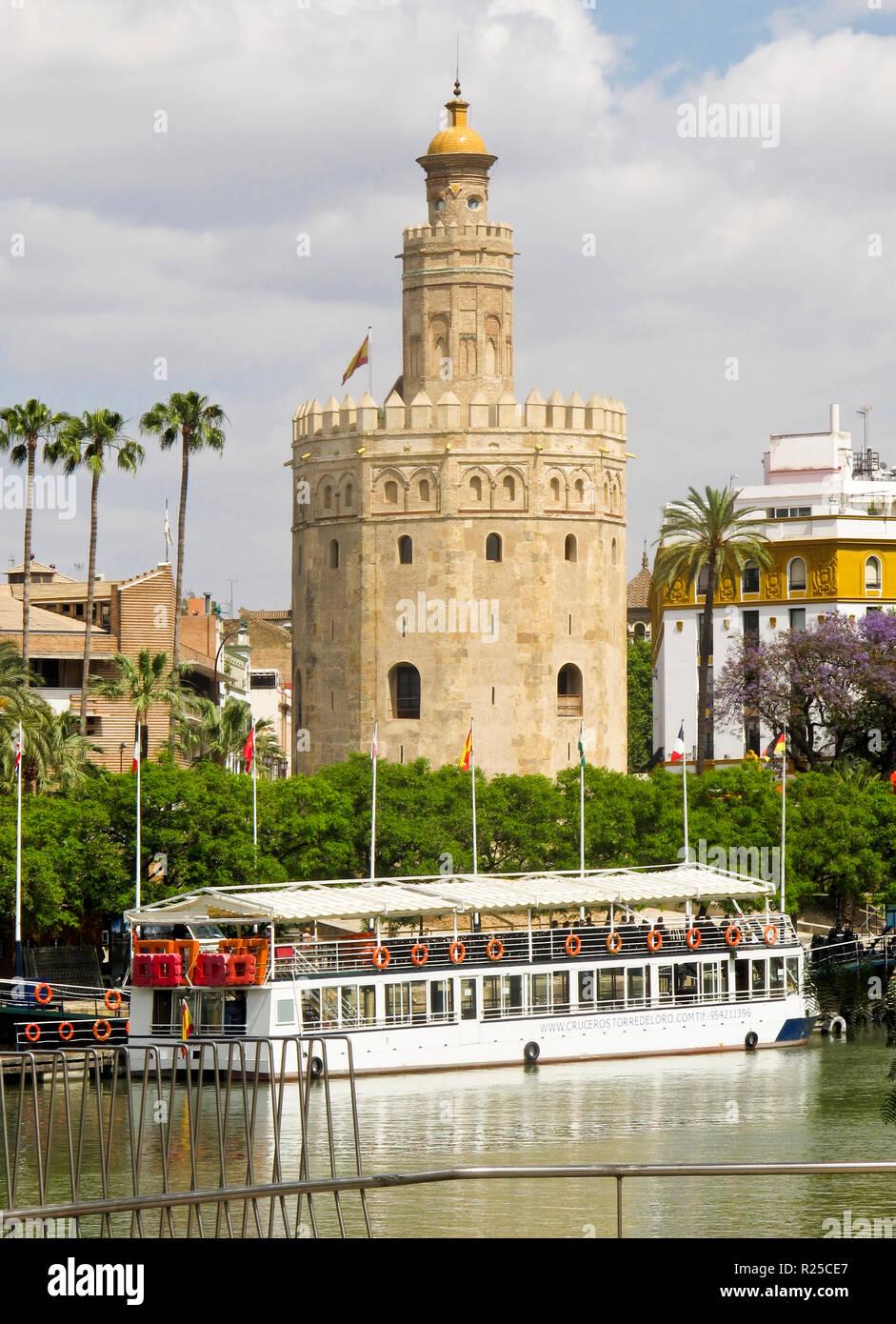 Torre del Oro y el río Gualdalquivir. Sevilla. Andalucía. España Imagen De Stock