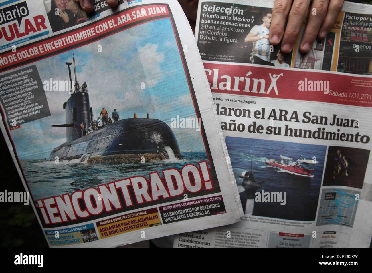 Buenos Aires, Argentina. 17 Nov, 2018. Primeras páginas con las últimas noticias sobre el hallazgo del submarino ARA San Juan. Los restos de un submarino que desapareció con 44 tripulantes a bordo hace un año se ha encontrado, la Armada Argentina dice. Crédito: Claudio Santisteban/Zuma alambre/Alamy Live News Imagen De Stock