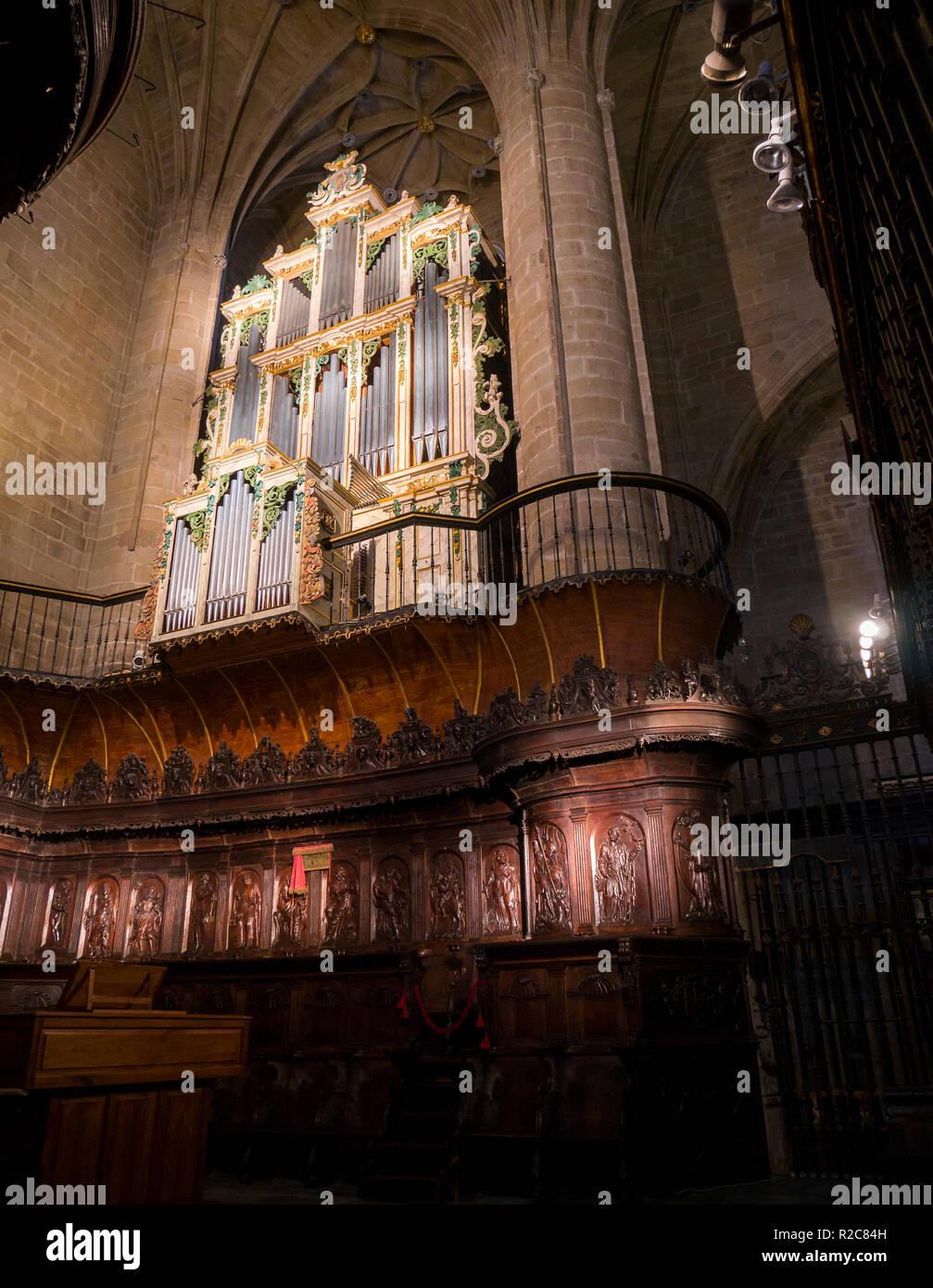Órgano y coro de la Concatedral de Santa María de la redonda. En Logroño. La Rioja. España Imagen De Stock