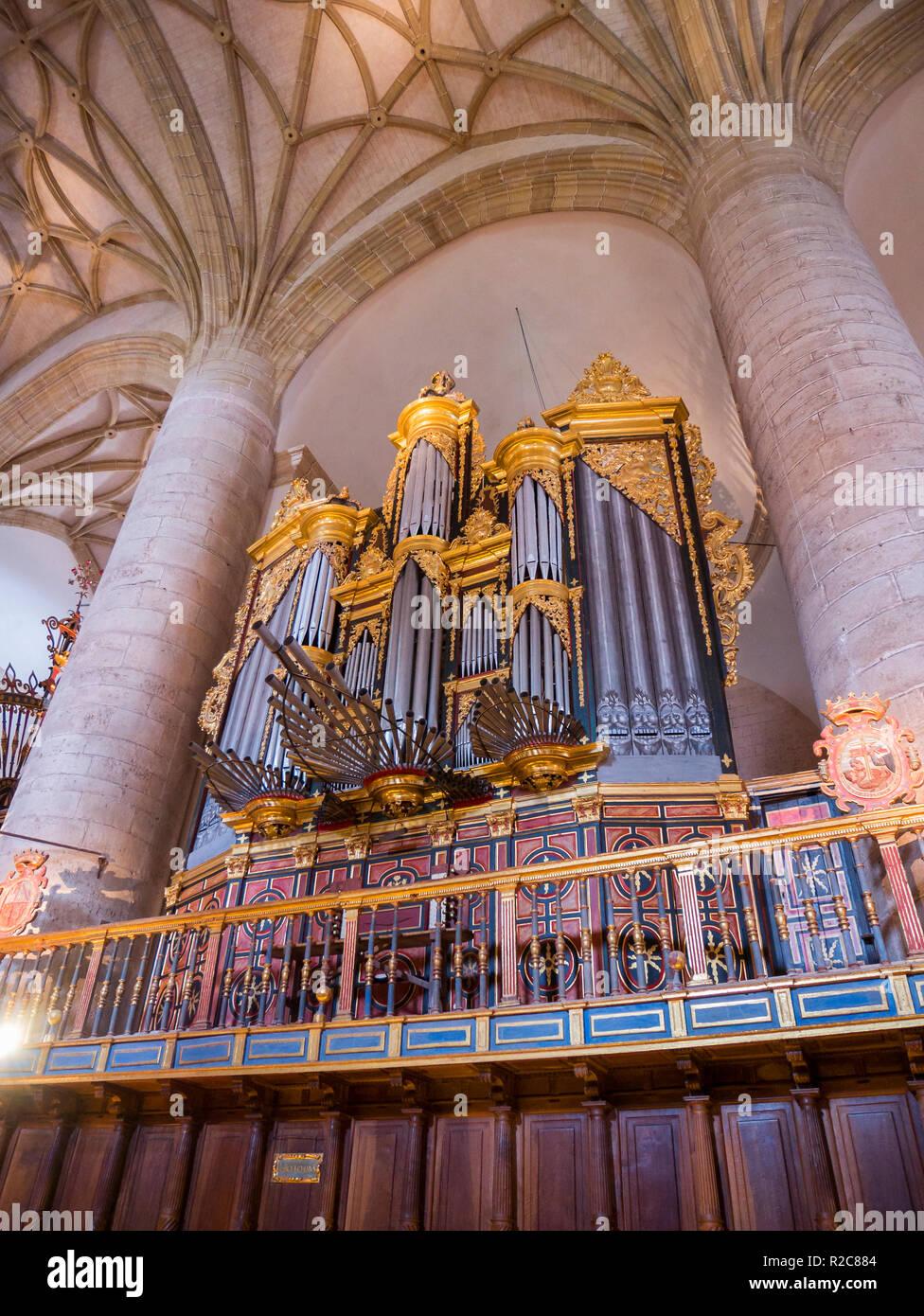 Órgano de la iglesia del Monasterio de San Millán de Yuso. San Millán de la Cogolla. La Rioja. España Imagen De Stock