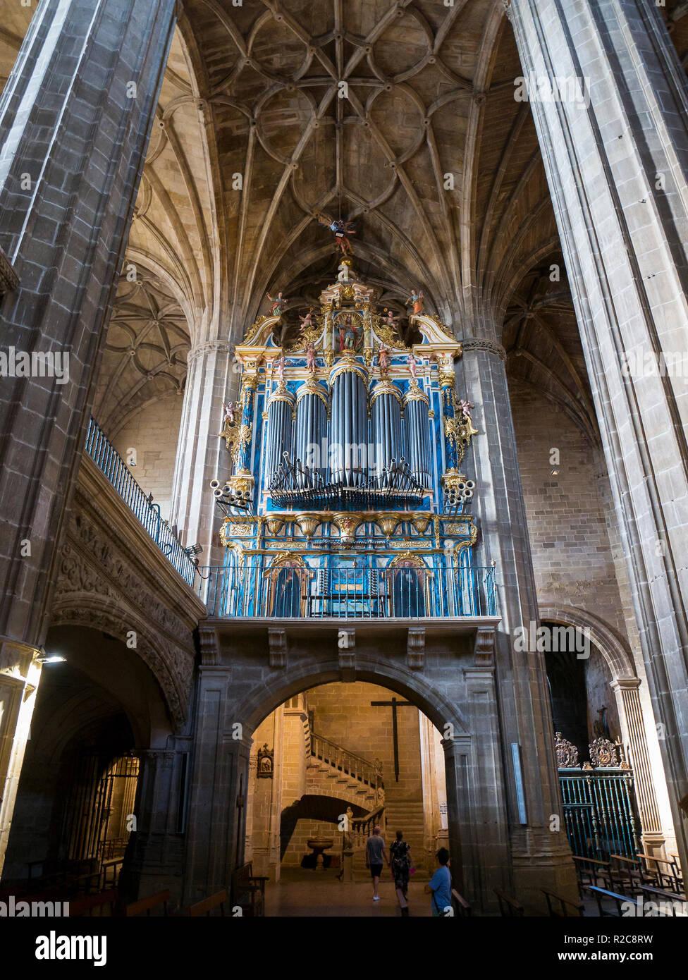 Órgano de la Iglesia de Santa María de la Asunción. Briones. La Rioja. España Imagen De Stock