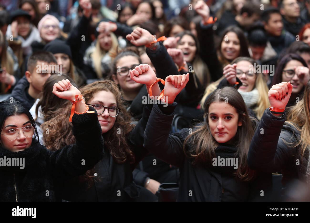 Foto LaPresse - Stefano Porta 19/11/2018 Milano ( Mi ) Cronaca Non sei da sola evento contro violenza sulle donne Palazzo Lombardia Imagen De Stock