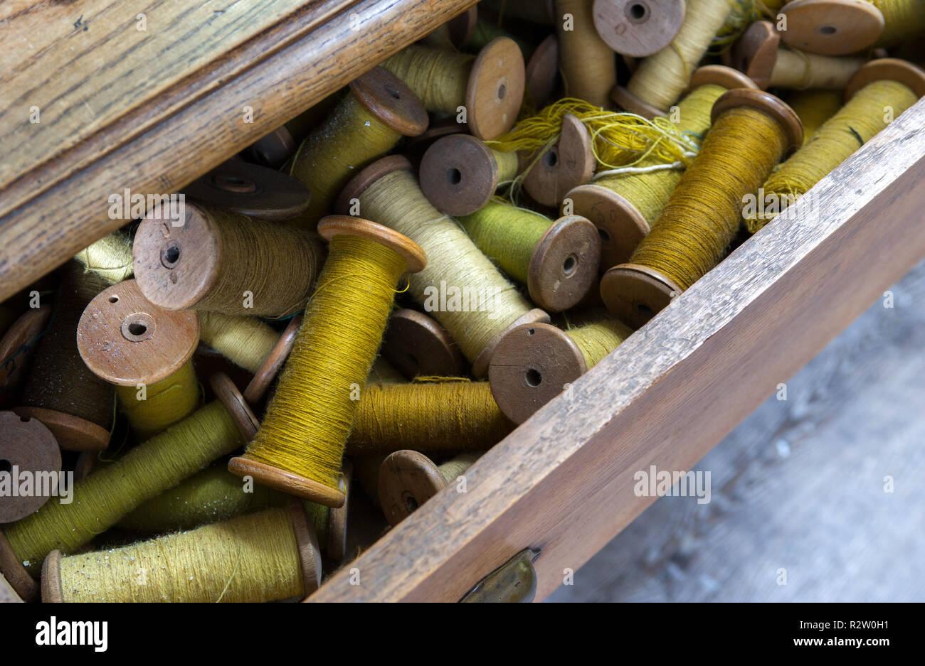 Aubusson (centro de Francia). Interior de la Royal Saint-Jean d'Aubusson Factory, que datan del siglo XV. Talleres de fabricación de tapices Imagen De Stock