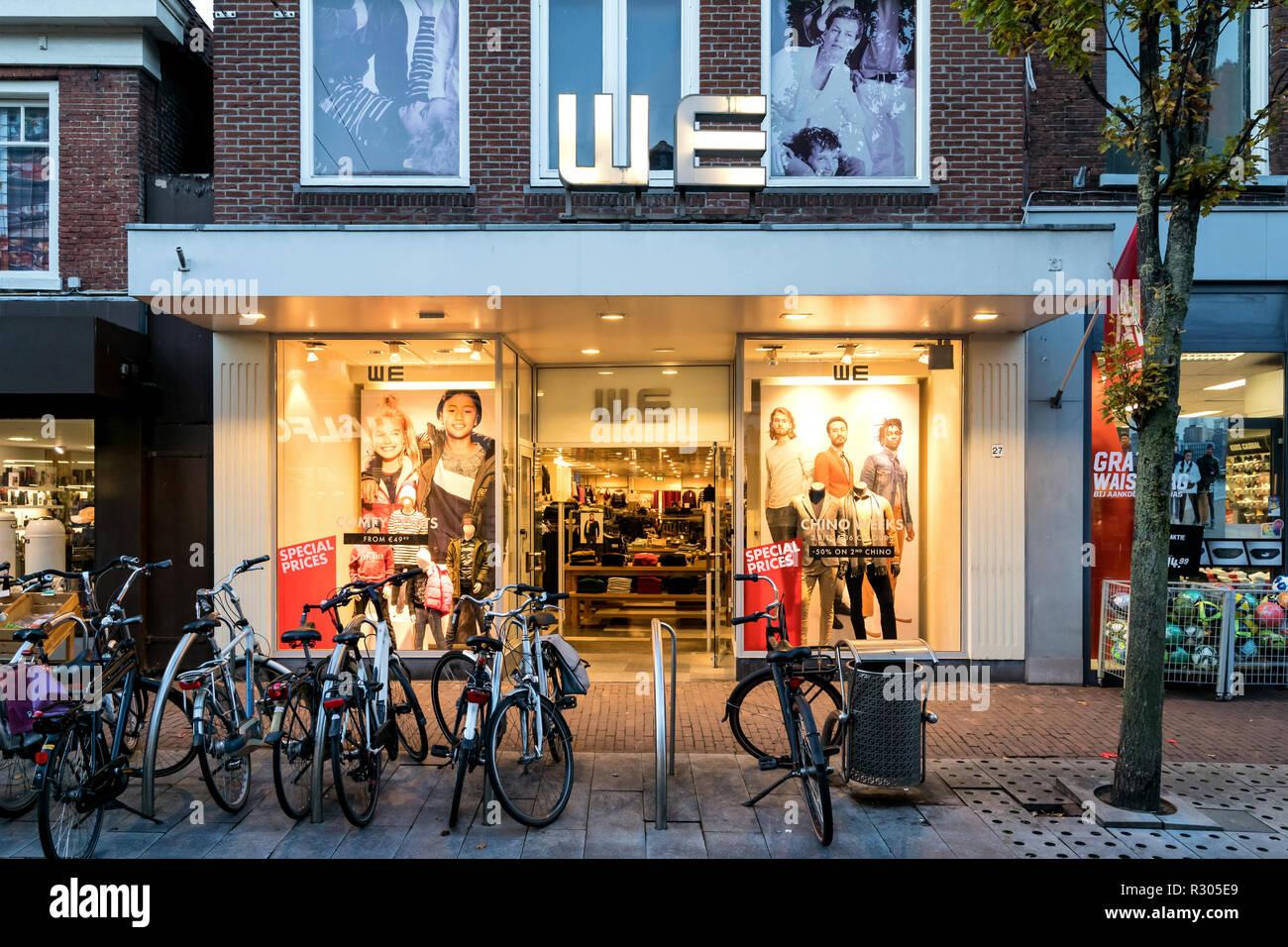166f752c39ad Moda Países Bajos Imágenes De Stock & Moda Países Bajos Fotos De ...