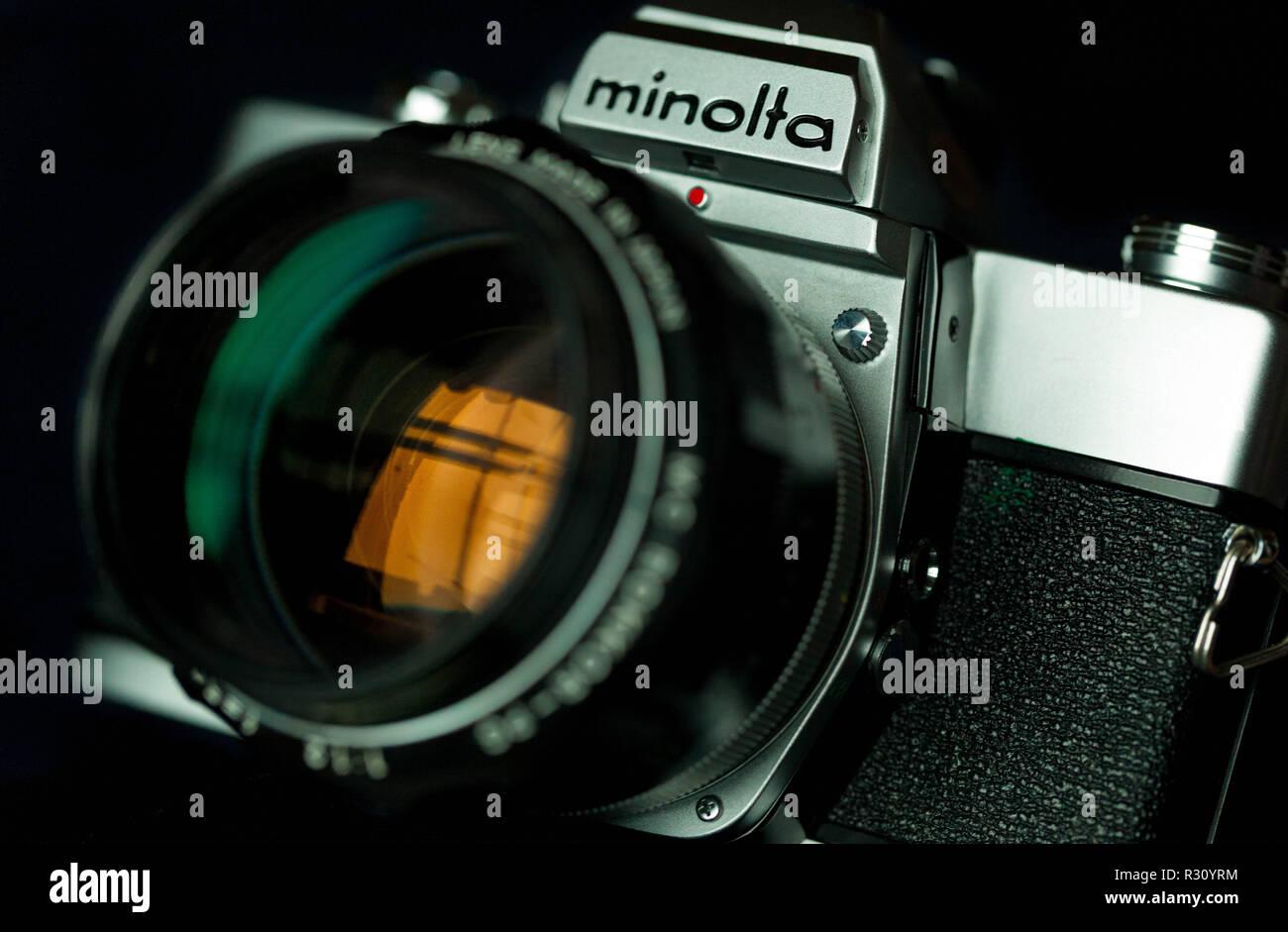 Cámara de película Minolta SRT 303 Foto de stock