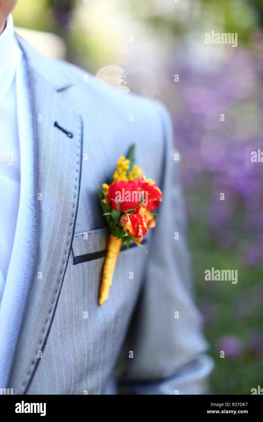 Maravillosa Boda Arreglo Floral Para La Solapa Del Novio En