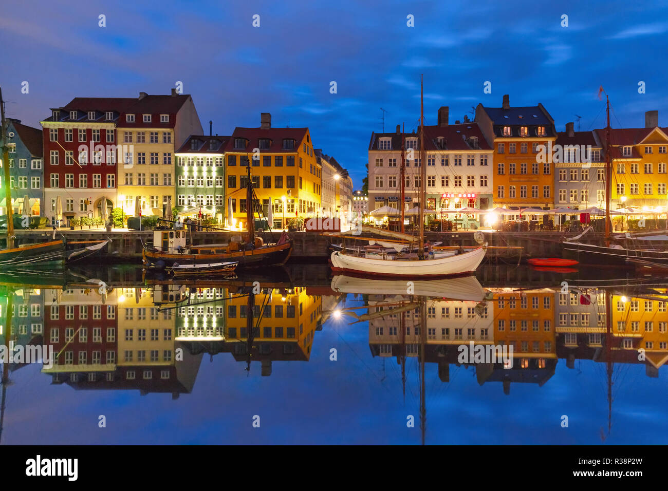 Nyhavn en Copenhague, Dinamarca. Foto de stock