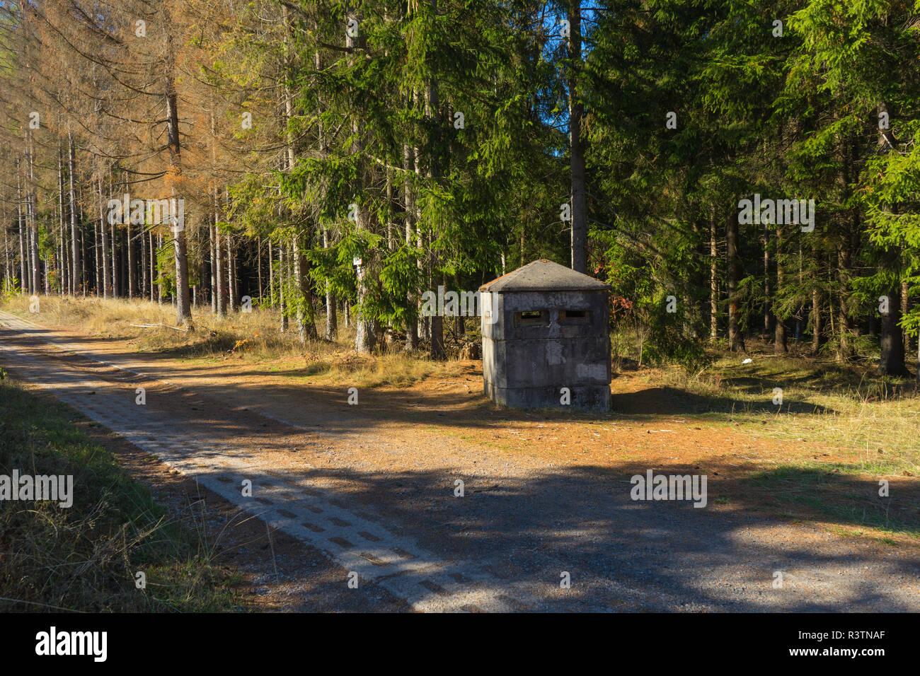 Antigua torre vigía en la guerra fría frontera con Alemania. Imagen De Stock