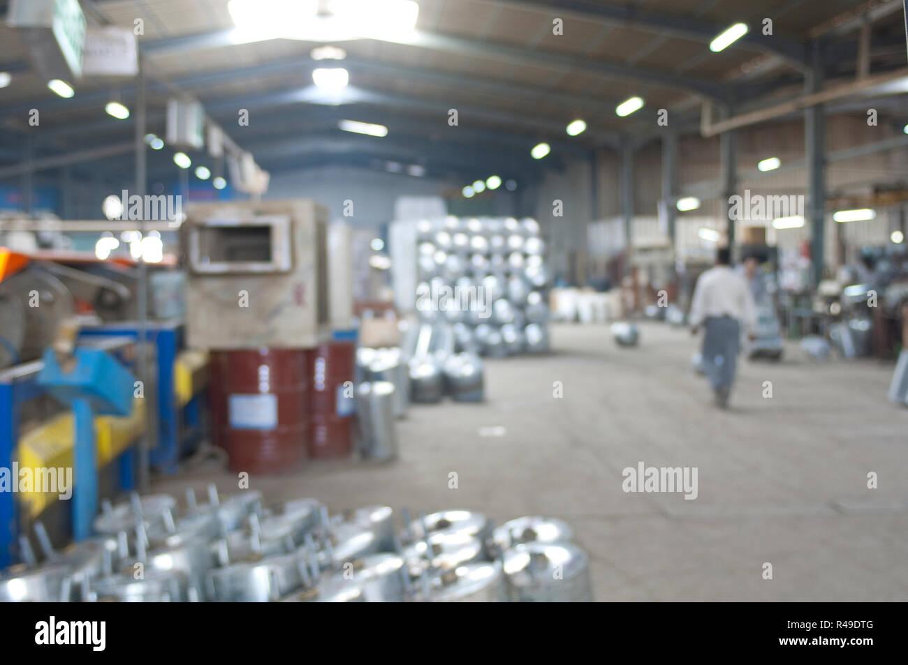 Abstracto industrial borrosa la imagen de fondo de una fábrica de acero calentadores de agua interior Imagen De Stock
