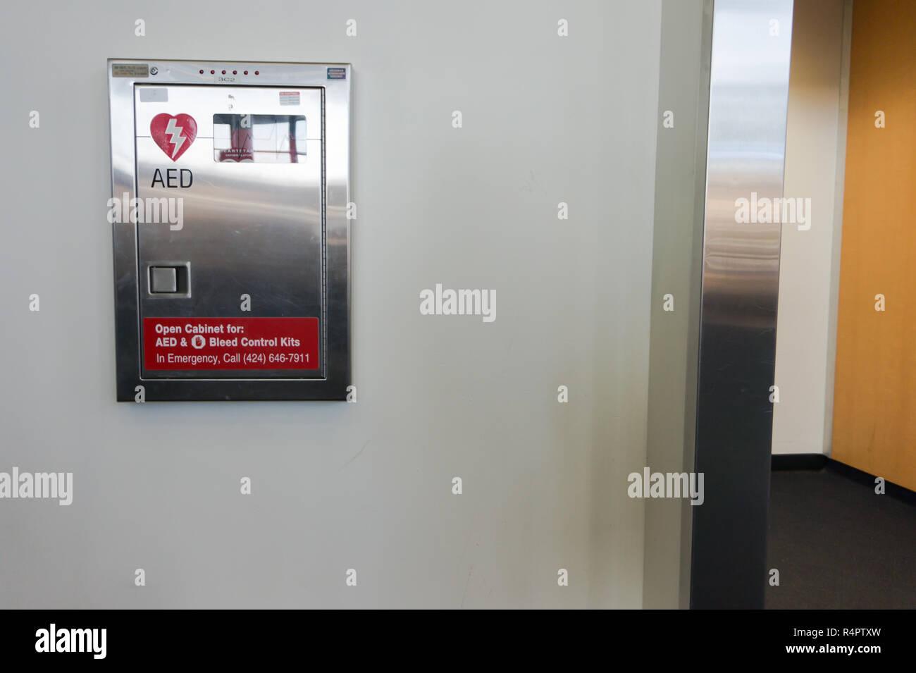 fdfbb9576 Kits de control de purga y otros suministros de emergencia en la terminal  del aeropuerto internacional