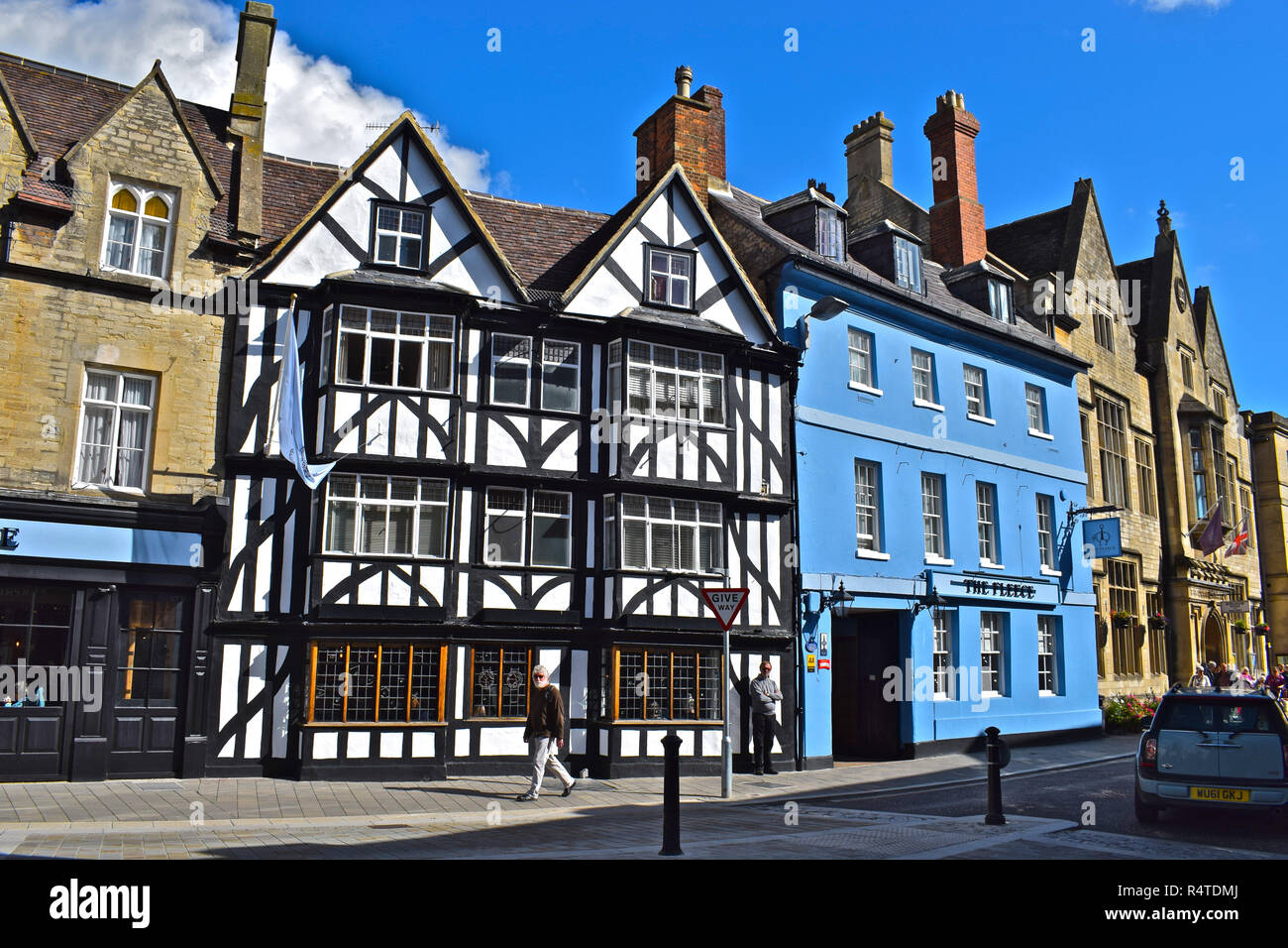 El Fleece Hotel es un antiguo entrenador en el histórico mercado de Cirencester, distrito de Cotswold, Gloucestershire, UK Imagen De Stock