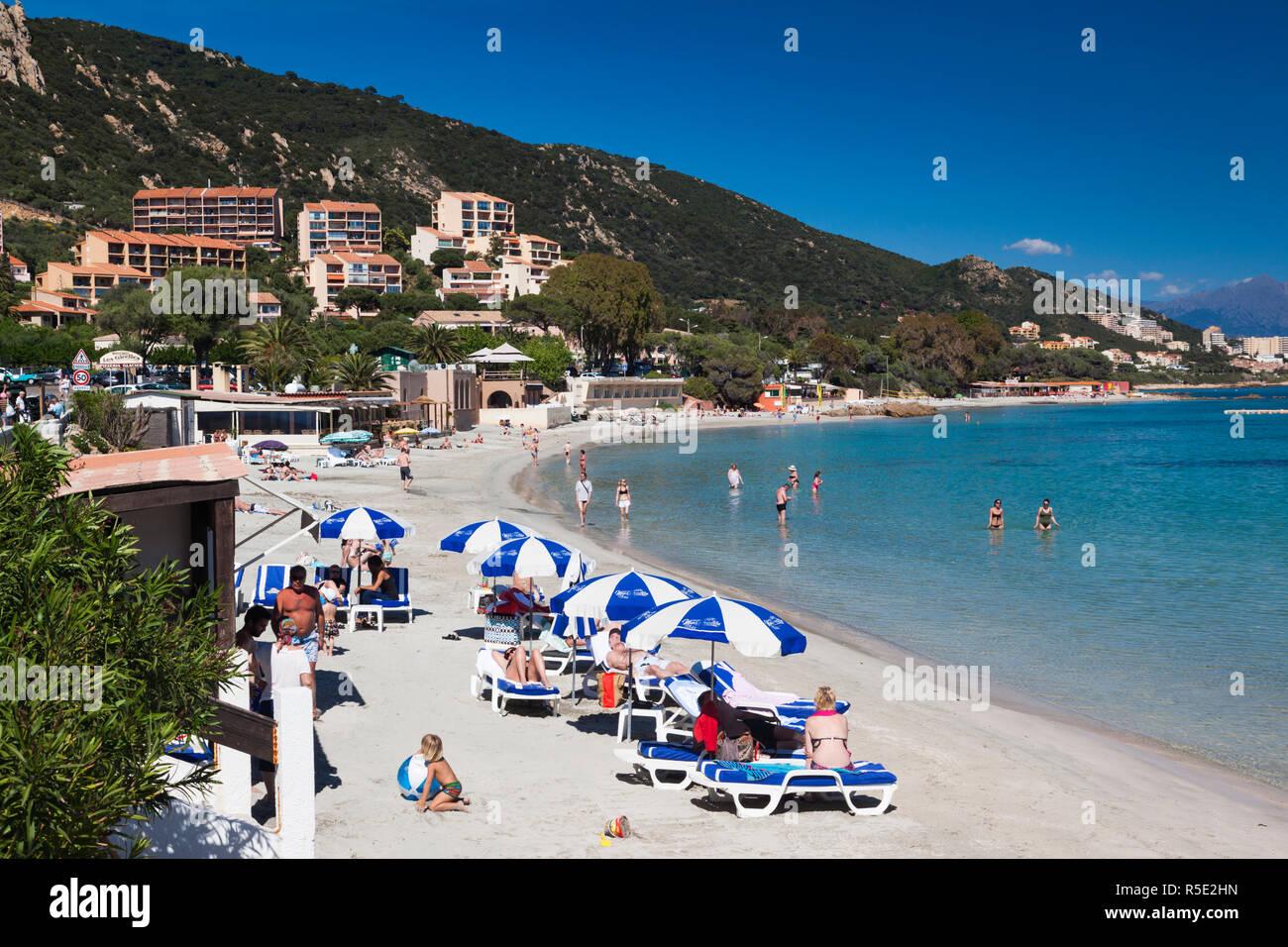 Francia, Córcega, Corse du Sud, Córcega Departamento Región de la Costa Oeste, la zona de Ajaccio, Scudo, la playa de la ciudad Foto de stock