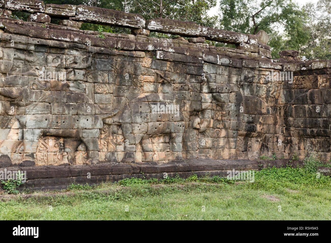 Esculturas De Elefantes En El Elefante Terraza Templo De