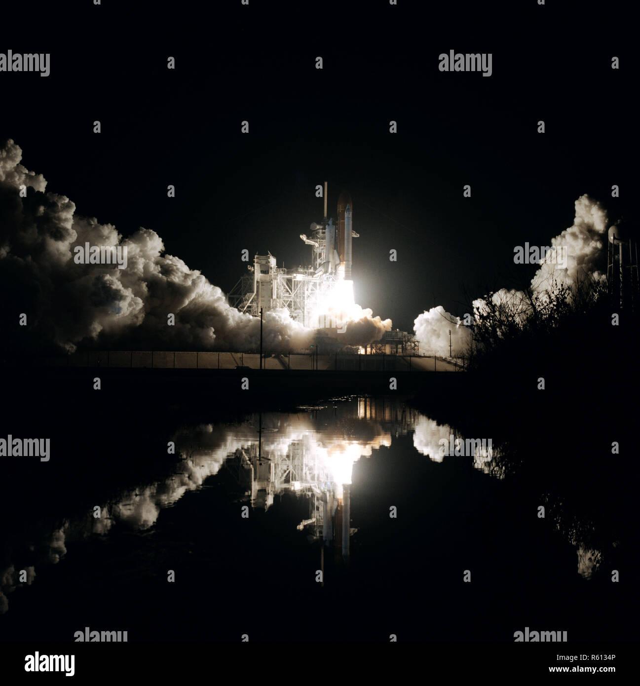 Lanzamiento del transbordador espacial Columbia STS-61-C misión.jpg - R6134P Foto de stock