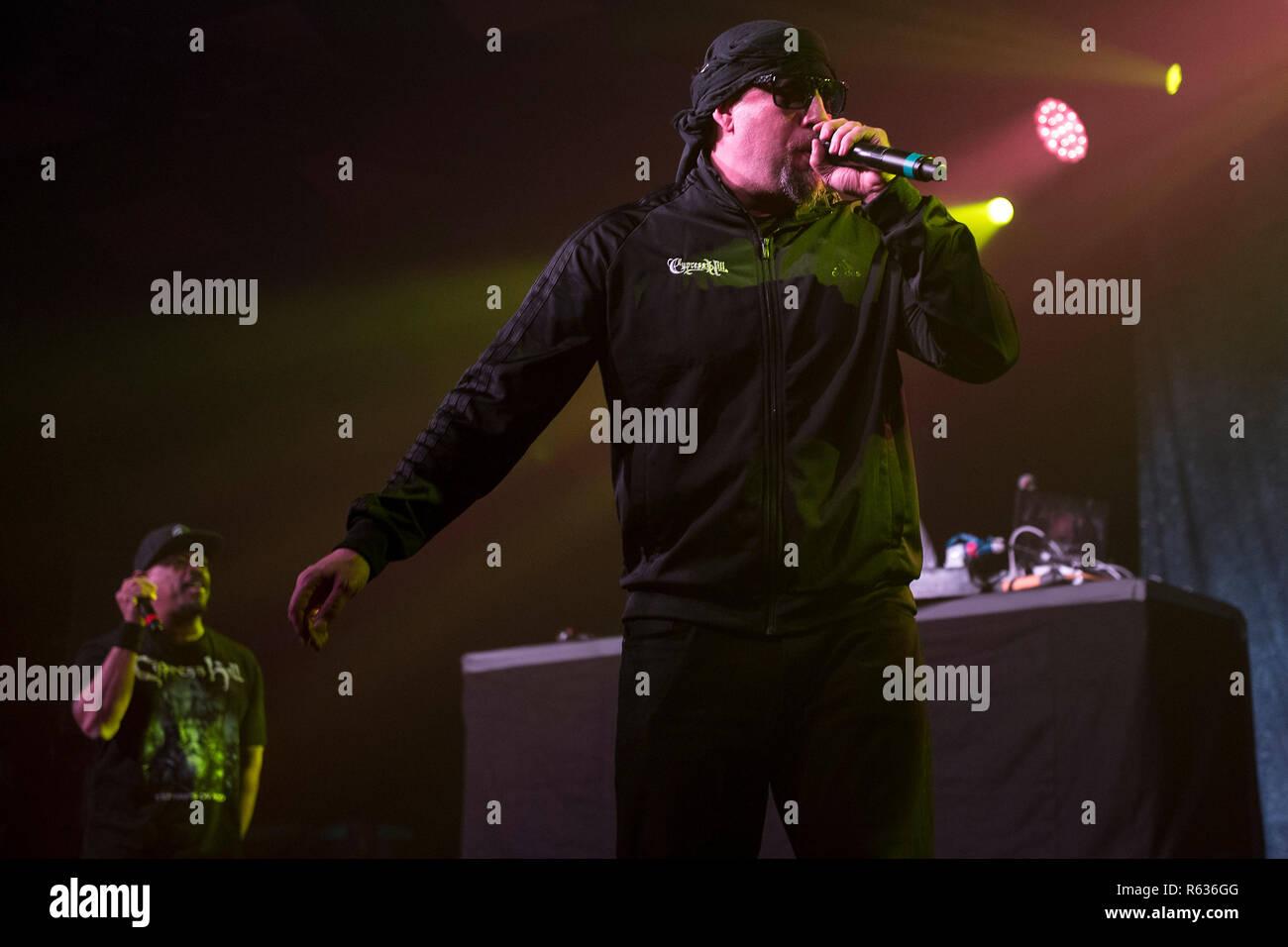 Glasgow Escocia Reino Unido 3 De Diciembre De 2018 Cypress Hill Tocar En Vivo En El Famoso Salón De Baile Barrowlands Barras Crédito Stuart Westwood Alamy Live News Fotografía De Stock Alamy