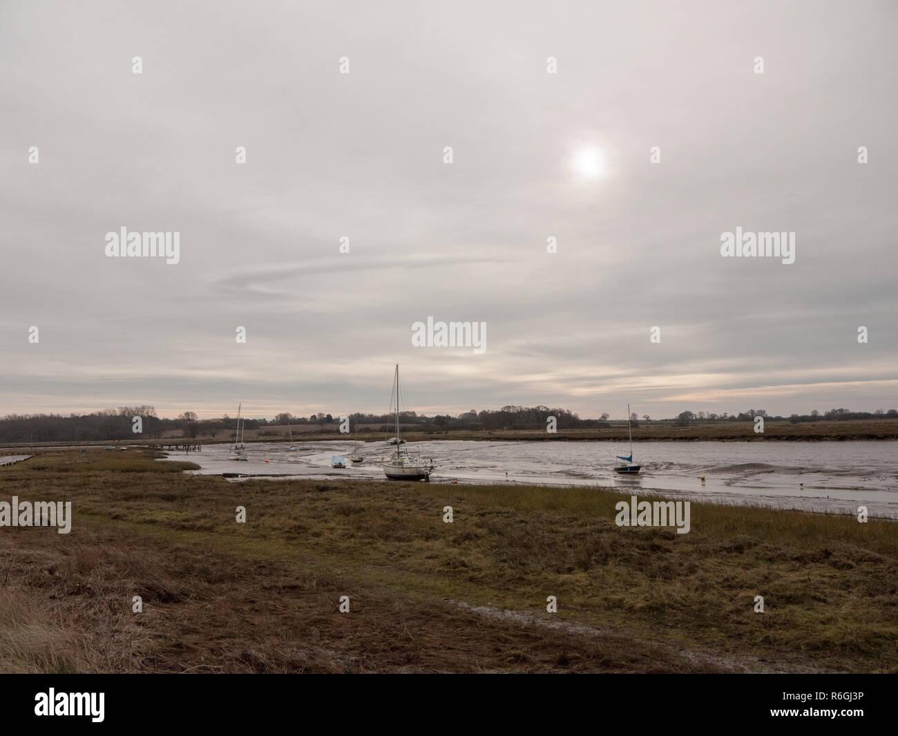 Otoño invierno nublado nublado oscuro puerto ría de escena Imagen De Stock