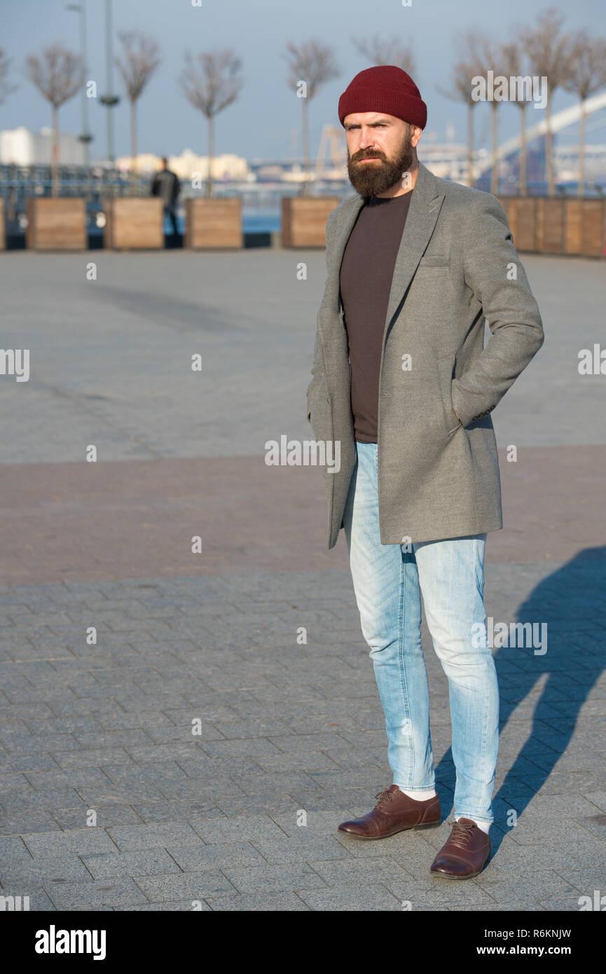 Ropa casual masculino. Hipster traje. Elegante ropa casual para el otoño y  el invierno f6244cc7757