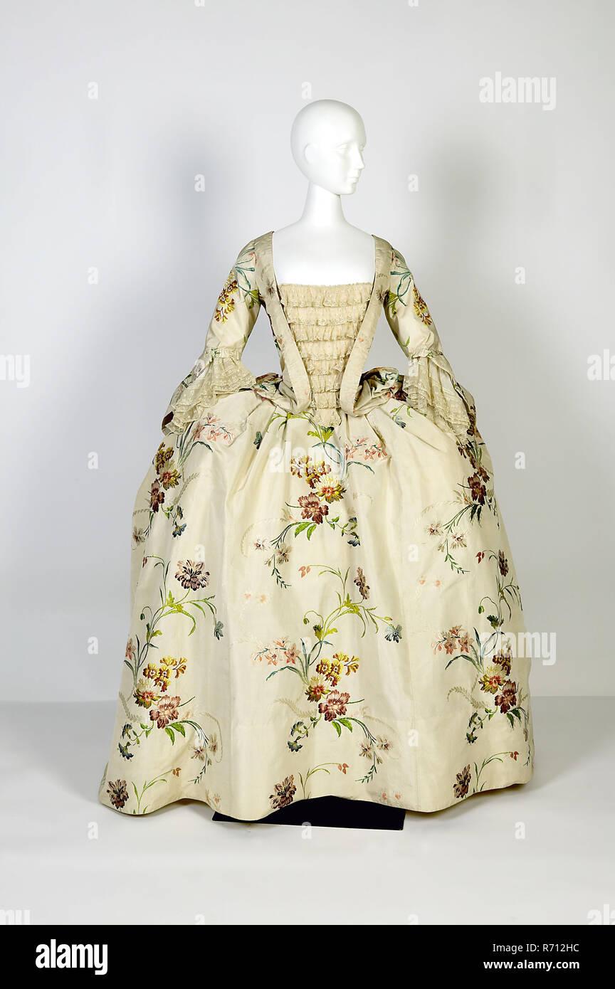 831677a0a Dress Body Imágenes De Stock   Dress Body Fotos De Stock - Alamy