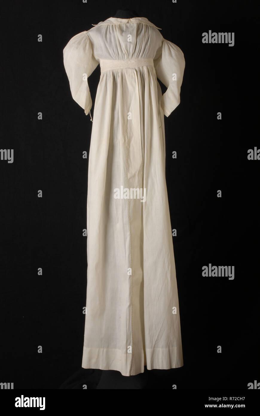 c95c35b12 Bebé camisón blanco de algodón, con mangas de piel de cordero ...