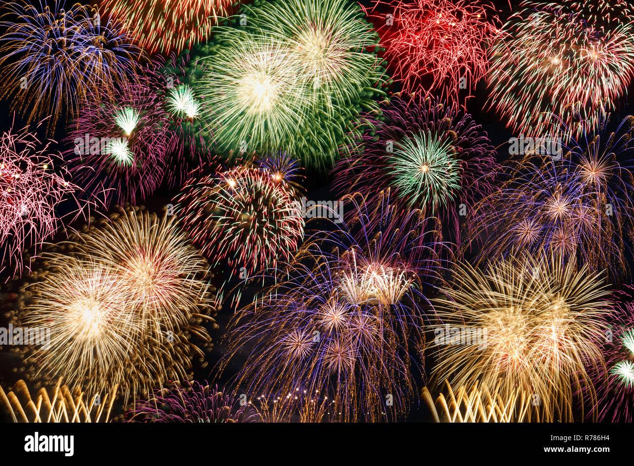 De víspera de Año Nuevo con fuegos artificiales Fuegos artificiales año años Antecedentes Antecedentes Foto de stock