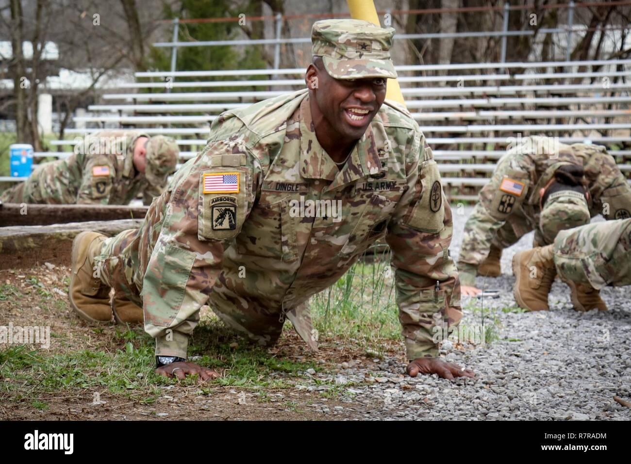 Brig Gen R Scott Dingle Comandante De La Salud Regional