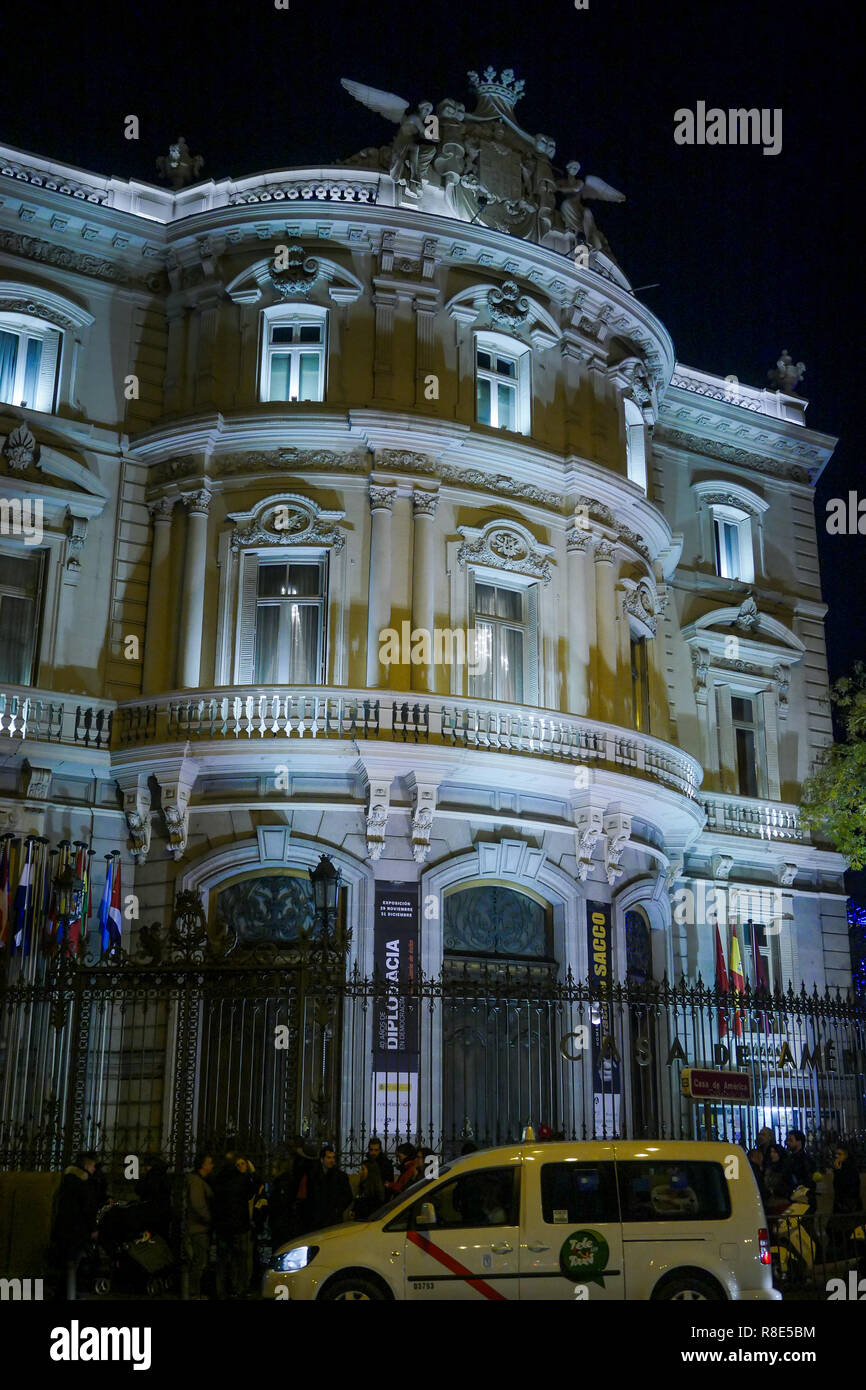 Vista Nocturna De La Casa De América American Cultural
