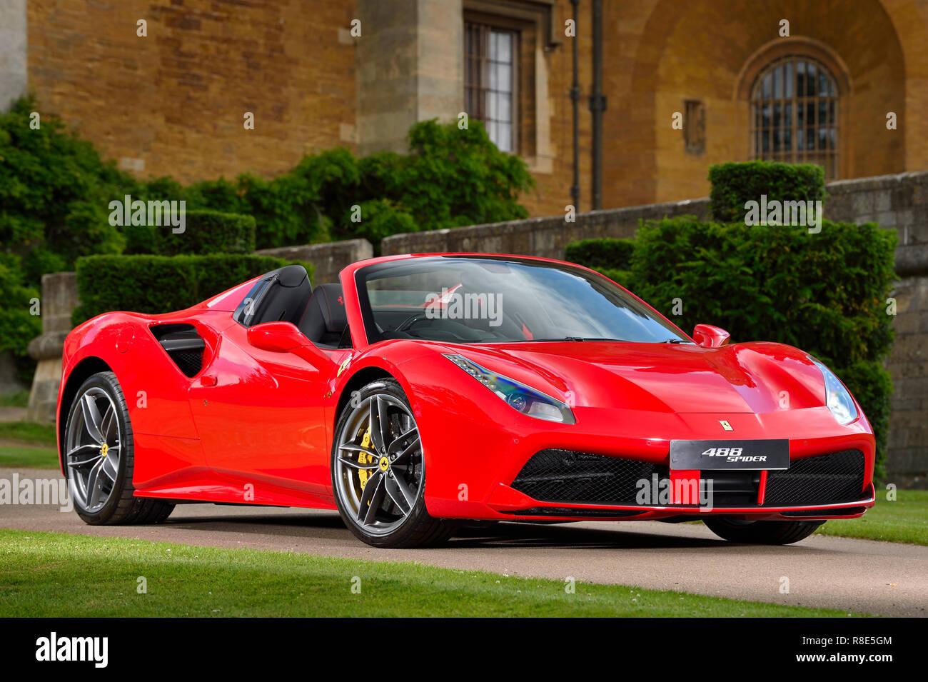 Rojo Ferrari 488 Spider Fotografia De Stock Alamy