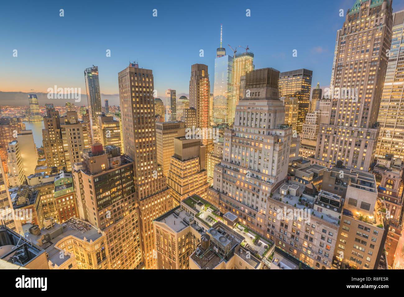 El distrito financiero de la ciudad de Nueva York ciudad al atardecer desde arriba. Foto de stock