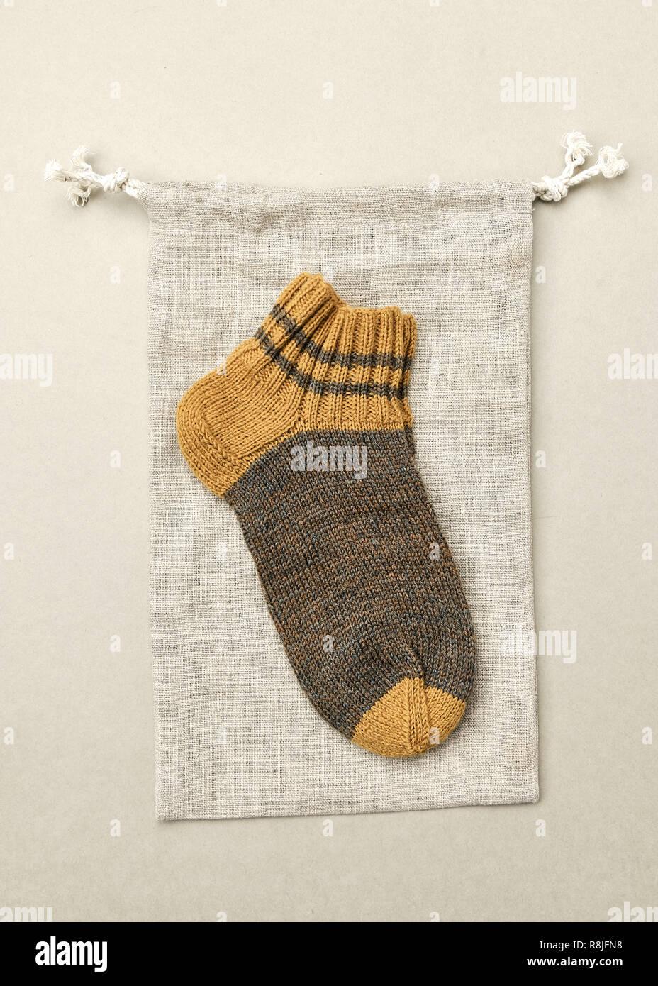 4f5cdd4e2 Lino Tejido áspero calcetín sobre el Yute bolsa reutilizable. Entorno  ecológico natural Accesorios Bebé y