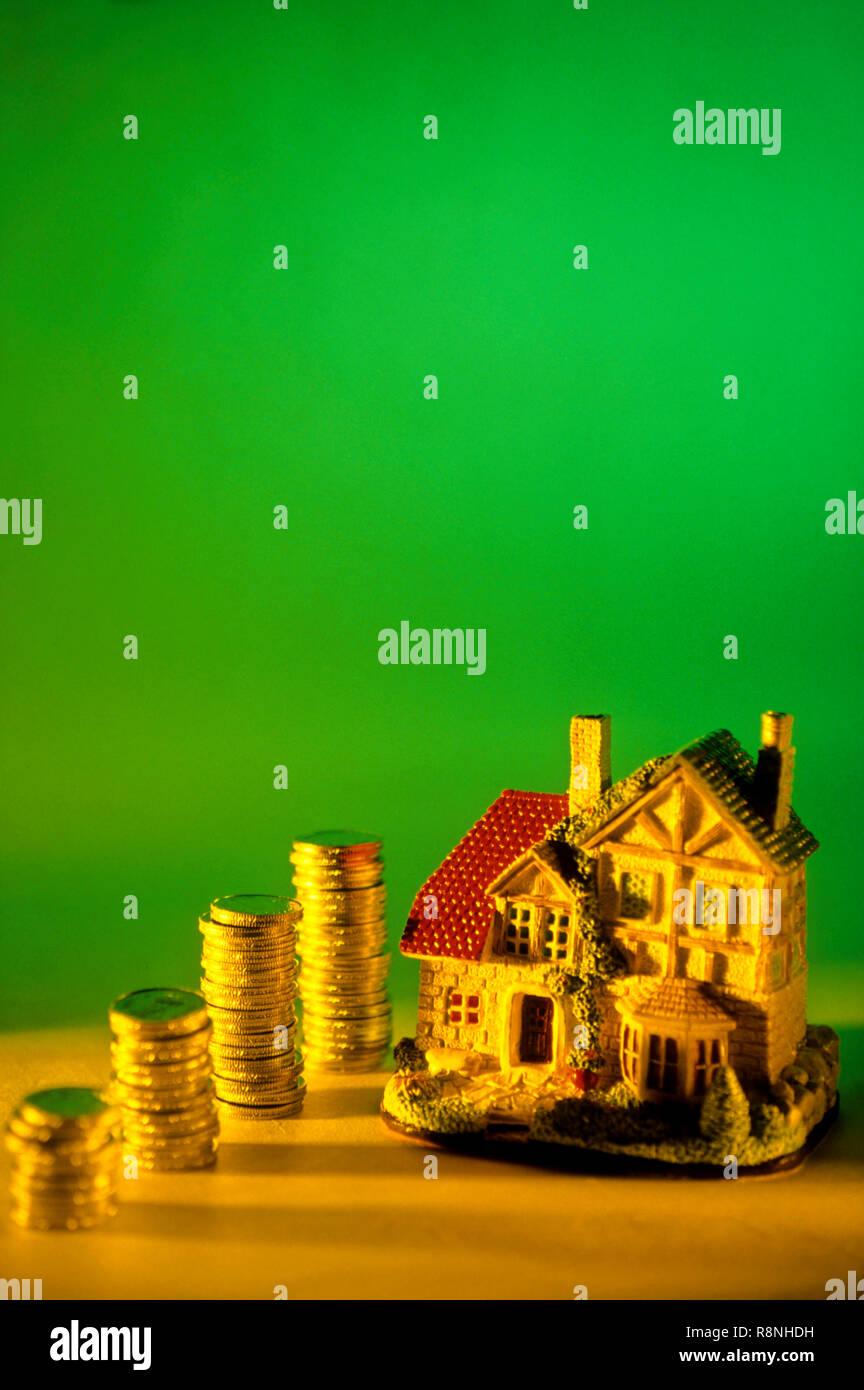 Concepto - Ahorro para el hogar Imagen De Stock