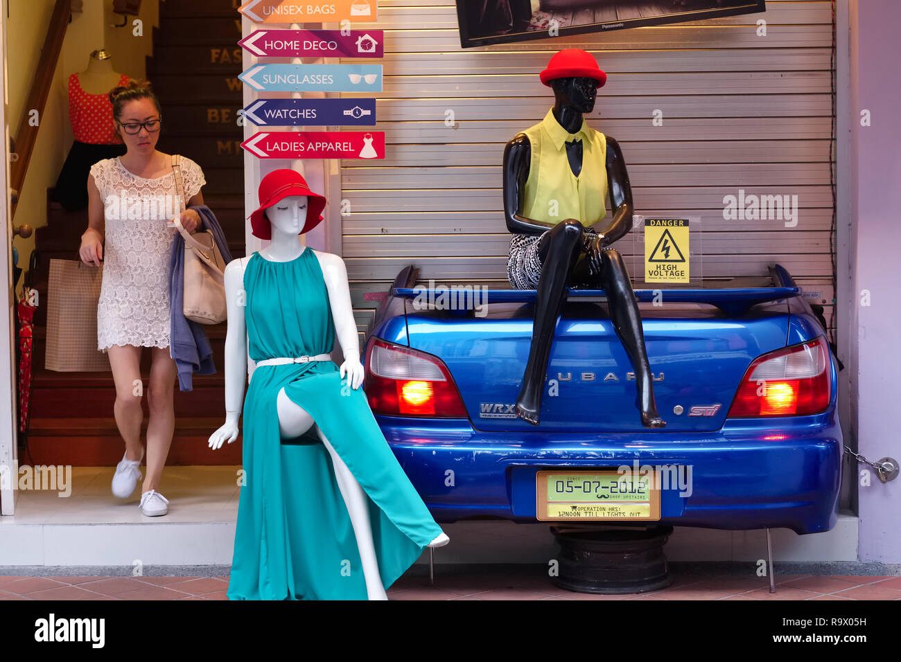 a7a194efbef14 Escena Alternativa Imágenes De Stock   Escena Alternativa Fotos De ...