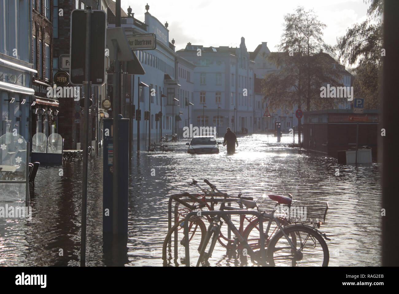 En Lübeck Hochwasser 2.1.19 Foto de stock