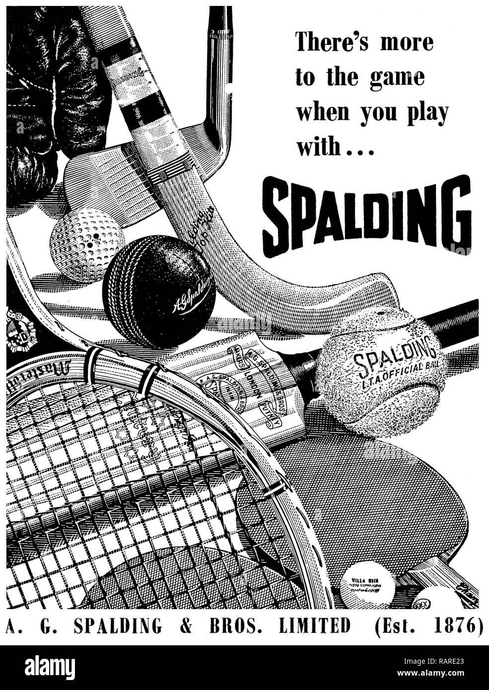 1953 anuncio británico de Spalding deportes de equipo. Imagen De Stock