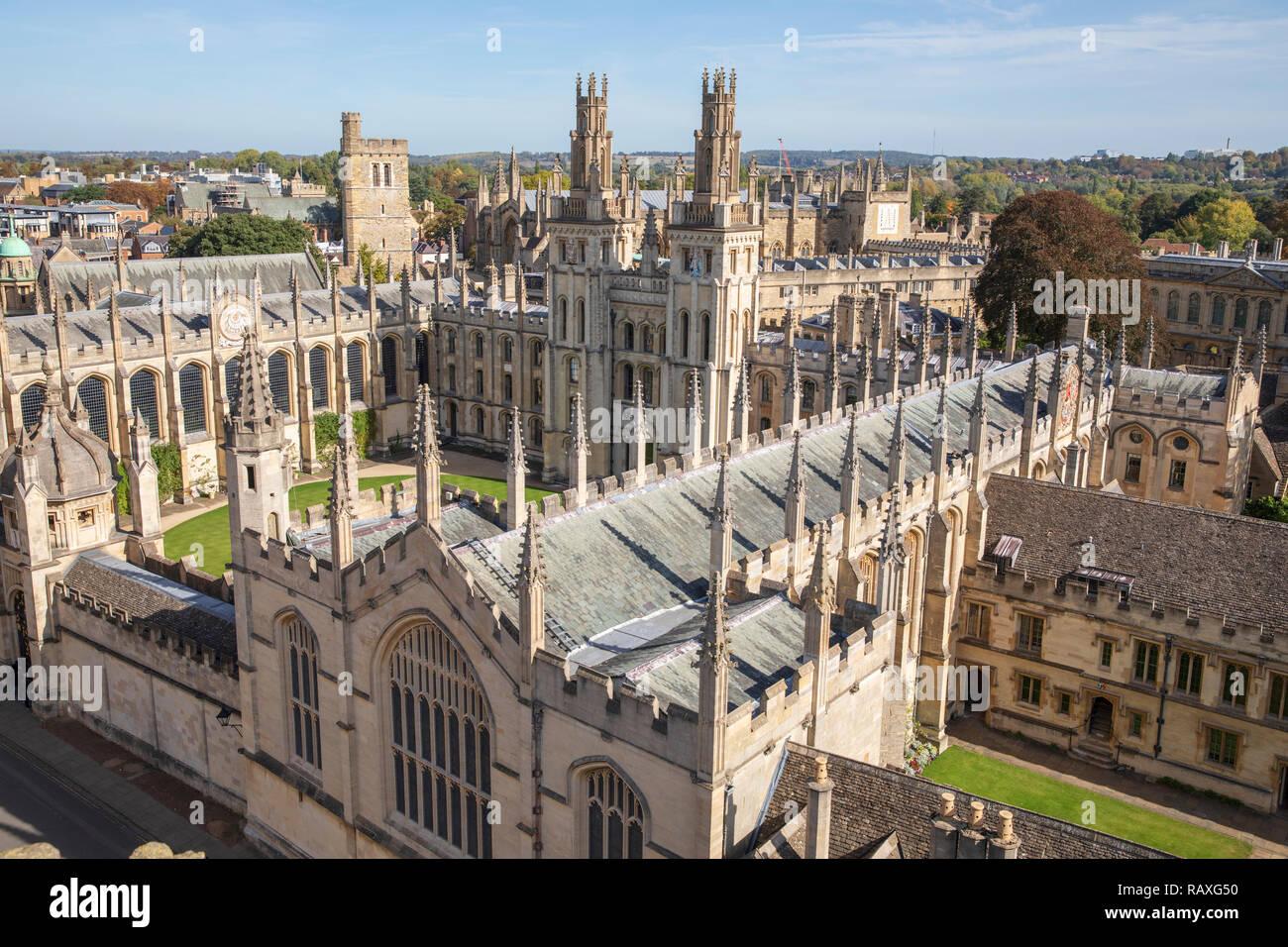 All Souls College, Oxford, Inglaterra, como puede verse en la iglesia universitaria de Santa María a la Virgen. Foto de stock