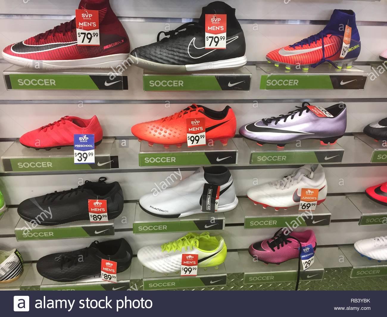 Football Shoes Imágenes De Stock   Football Shoes Fotos De Stock ... a34487389227b