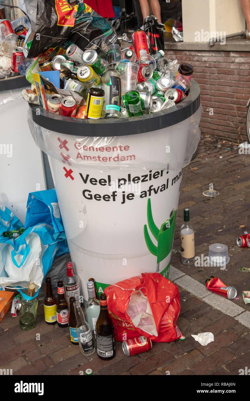 Los Países Bajos. Amsterdam. Canal Pride Parade, parte del Amsterdam Pride Festival, prestando atención a los derechos humanos y las personas LGTBI. Imagen De Stock
