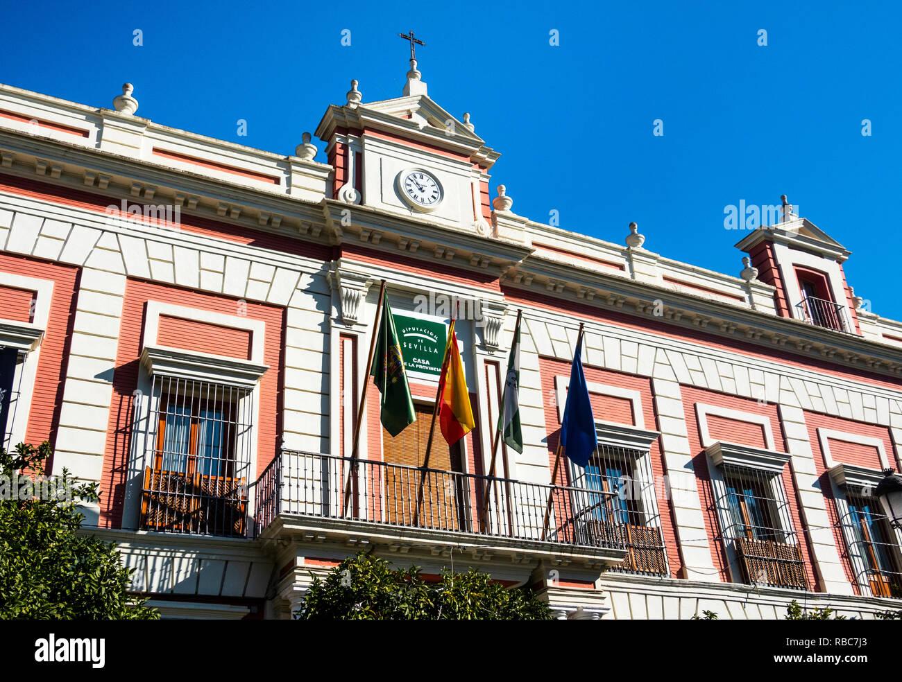 La entrada a la Casa de la provincia de Sevilla, España. Imagen De Stock