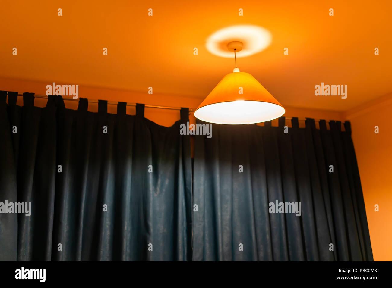 el Amarillo colgando en techo lámpara decorativo anaranjado IE9HW2D