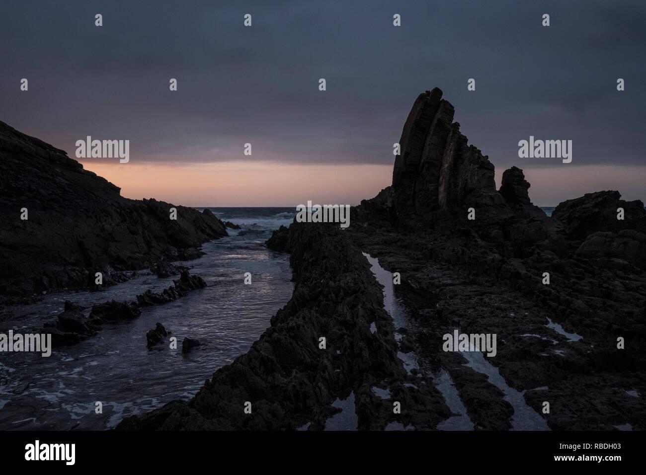 Alentejo, Portugal - 24 de febrero de 2016: El diseño rockly de Lapa das Pombas Imagen De Stock