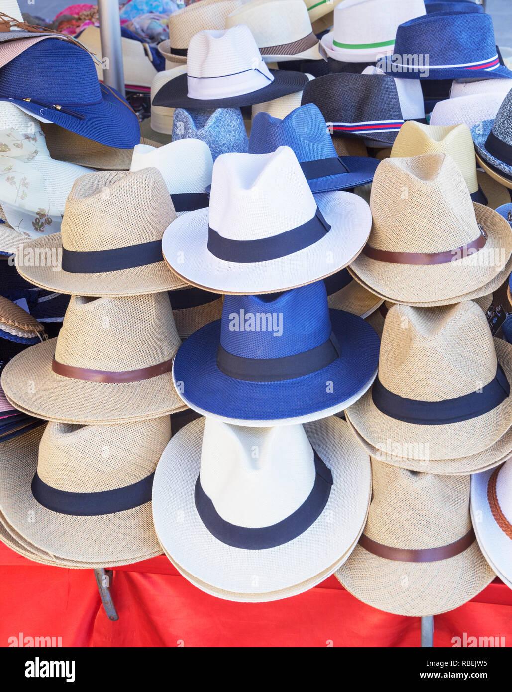 Sombreros De Europa Imágenes De Stock   Sombreros De Europa Fotos De ... 0e6083817bb