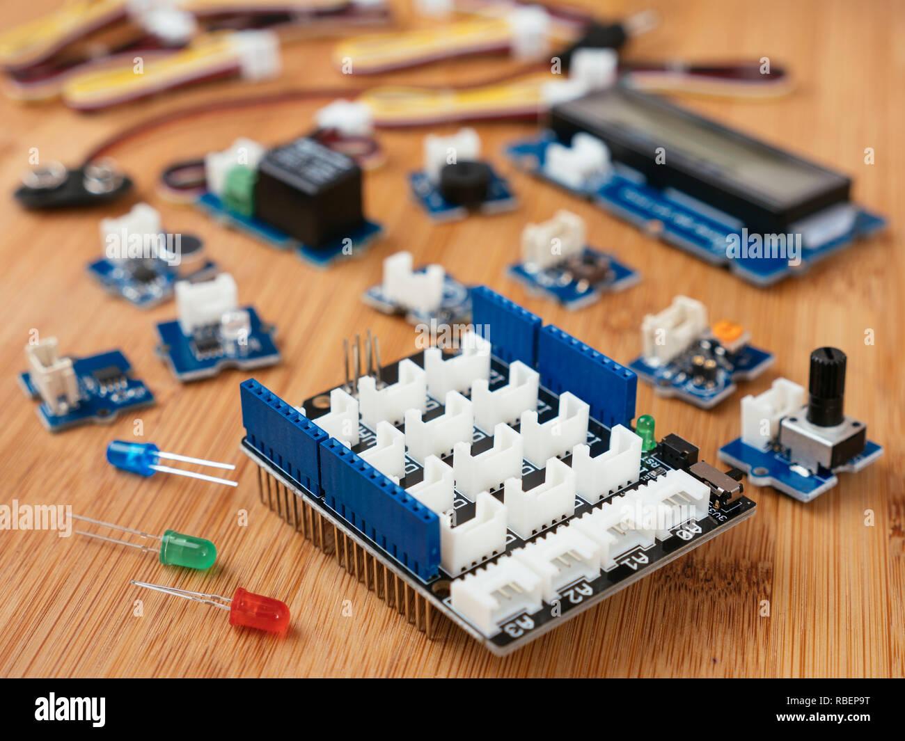 Módulo Grove Starter Kit Para Arduino Con Una Selección De