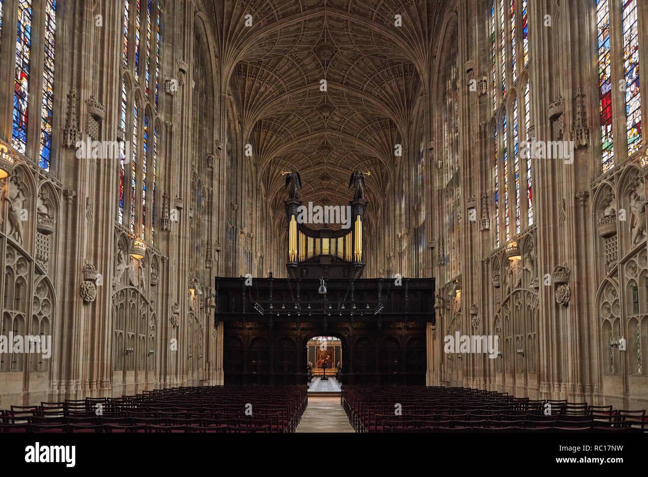 Interior de la capilla de King's College en el King's College de la Universidad de Cambridge Foto de stock