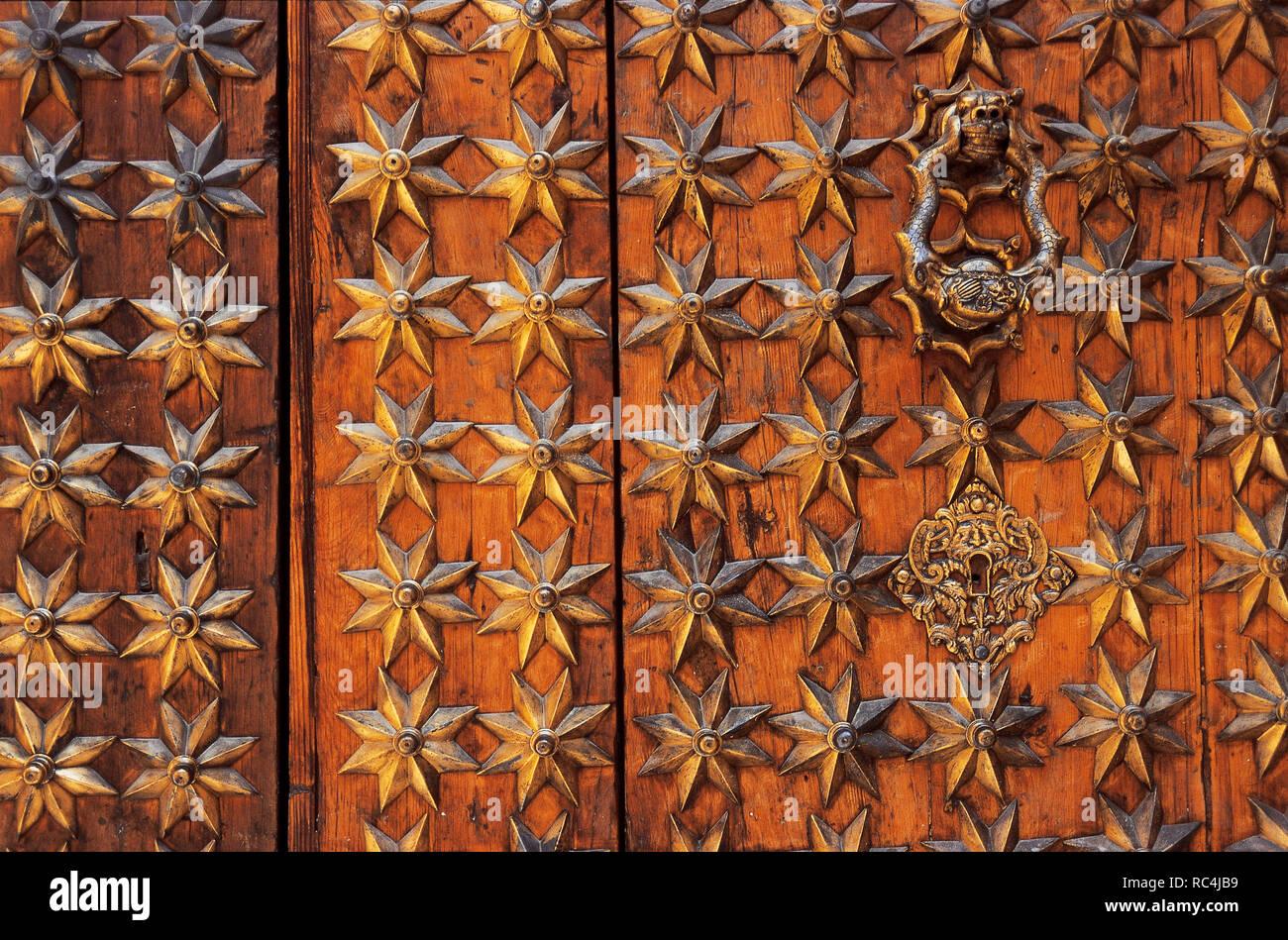 COMUNIDAD VALENCIANA. ORIHUELA. Detalle de la puerta de Loreto, perteneciente a la CATEDRAL DE SAN SALVADOR. La provincia de Alicante. España. Foto de stock